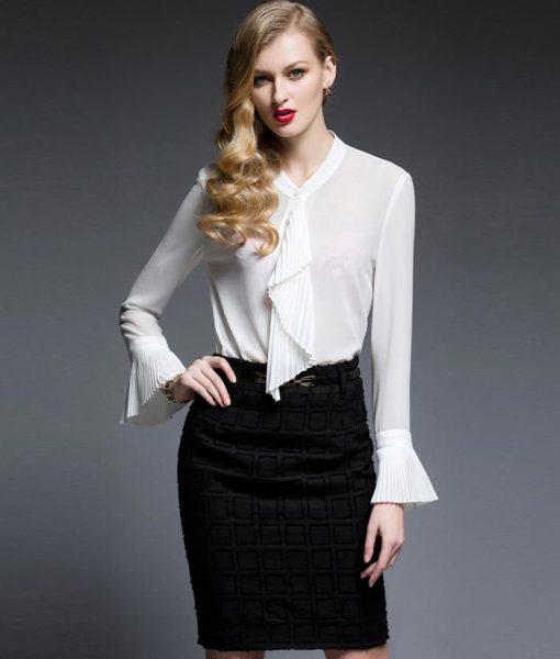 a00d60253345c ビジネスパーティーのコーデをひと工夫で華やかな女性らしい服装に